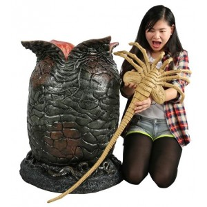 Life Sized Alien Egg and Facehugger Life Size Replica Neca