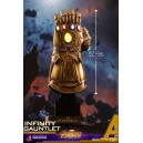 PRECOMMANDE Infinity Gauntlet Quarter Scale Figurine Hot Toys