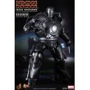 Iron Monger 1/6 Figurine Hot Toys