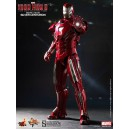 Iron Man Mark 33: Silver Centurion MMS Figurine 1/6 Hot Toys