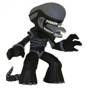 Black Alien Xenomorph 1/24 Science Fiction Mystery Minis Figurine Funko